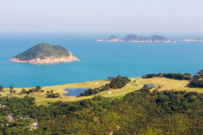7 of New Zealand's Most Beautiful Golf Courses