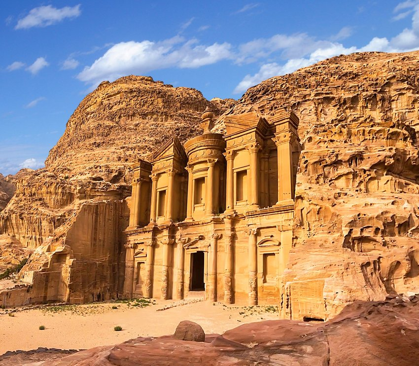 5 Iconic Movie Sets You Can Visit