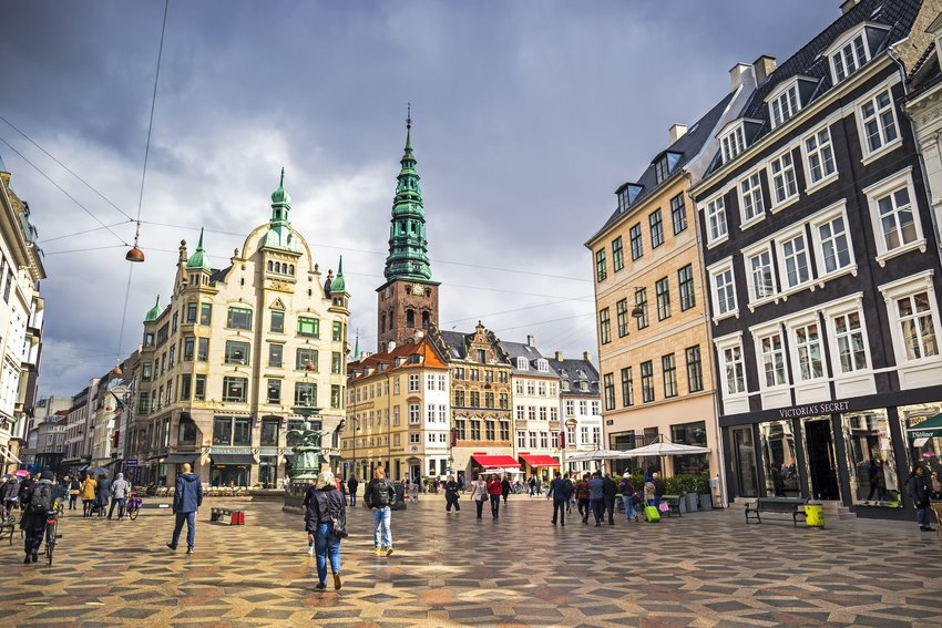 4 Famous Pedestrian Streets You'll Want to Stroll Down