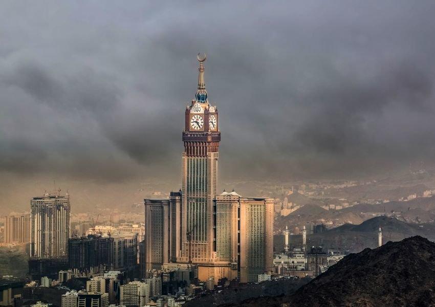 Abraj Al Bait with clouds surrounding it