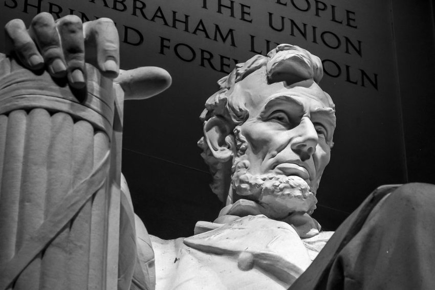 Close-up photo of a statue of Abraham Lincoln
