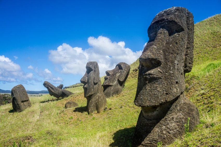 Photo of moai statues
