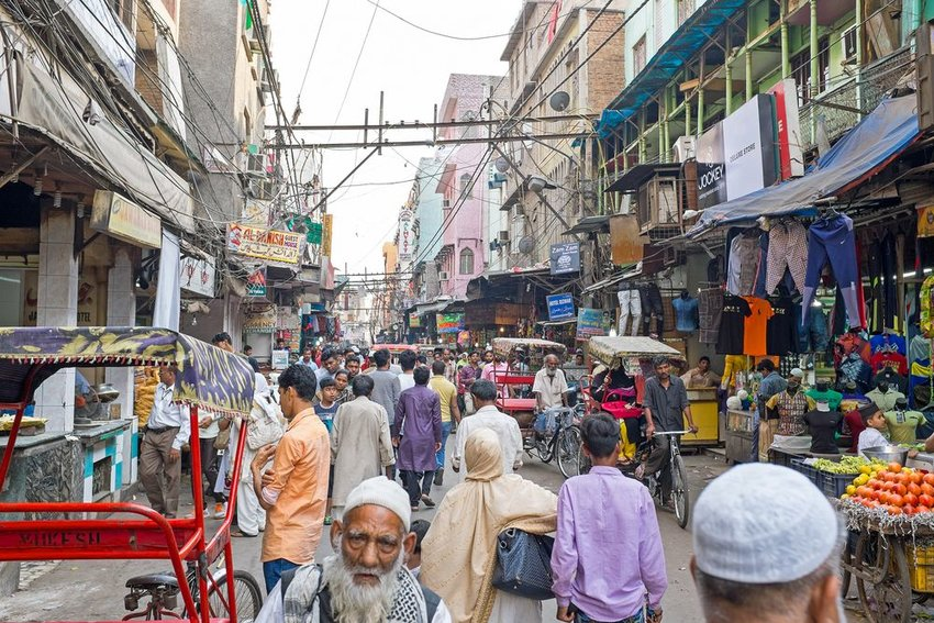 Photo of a busy street in New Delhi