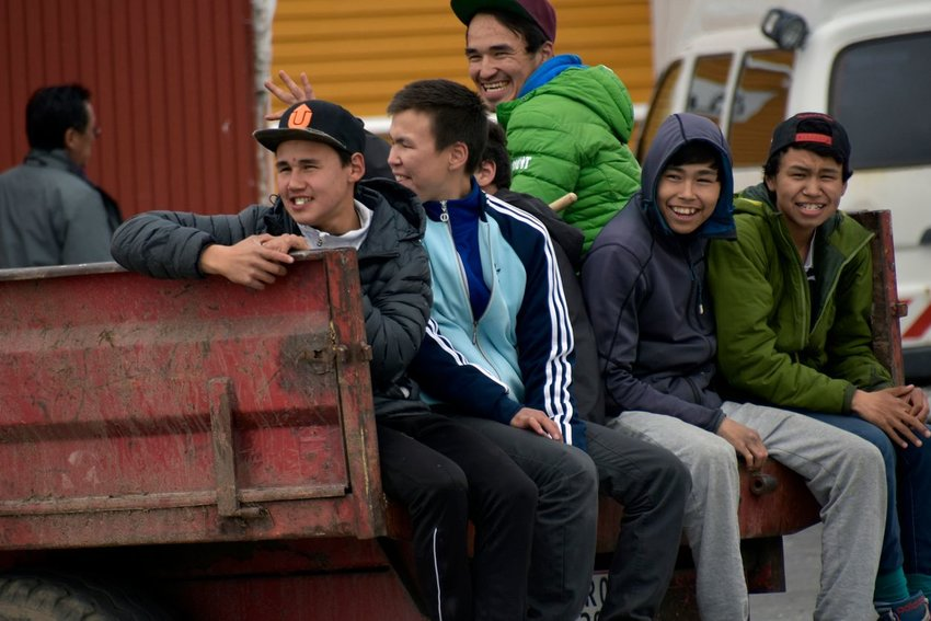 Photo of Inuit teenagers laughing