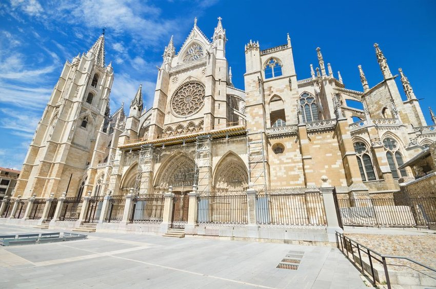 Street view of the iconic Leon Cathedral architecture