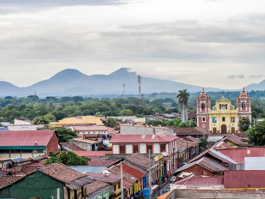 Skyline of Leon with mountains in the background