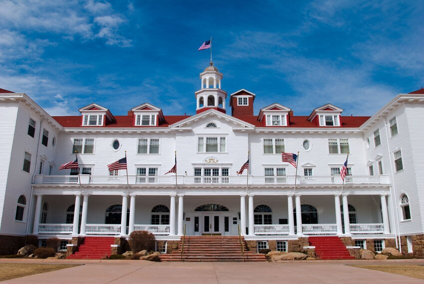 Wide-angle view of the Stanley Hotel front entrance